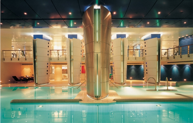 Le commodore hotel lebanon online reservations deals room rates dining and spa at for Indoor swimming pool in lebanon